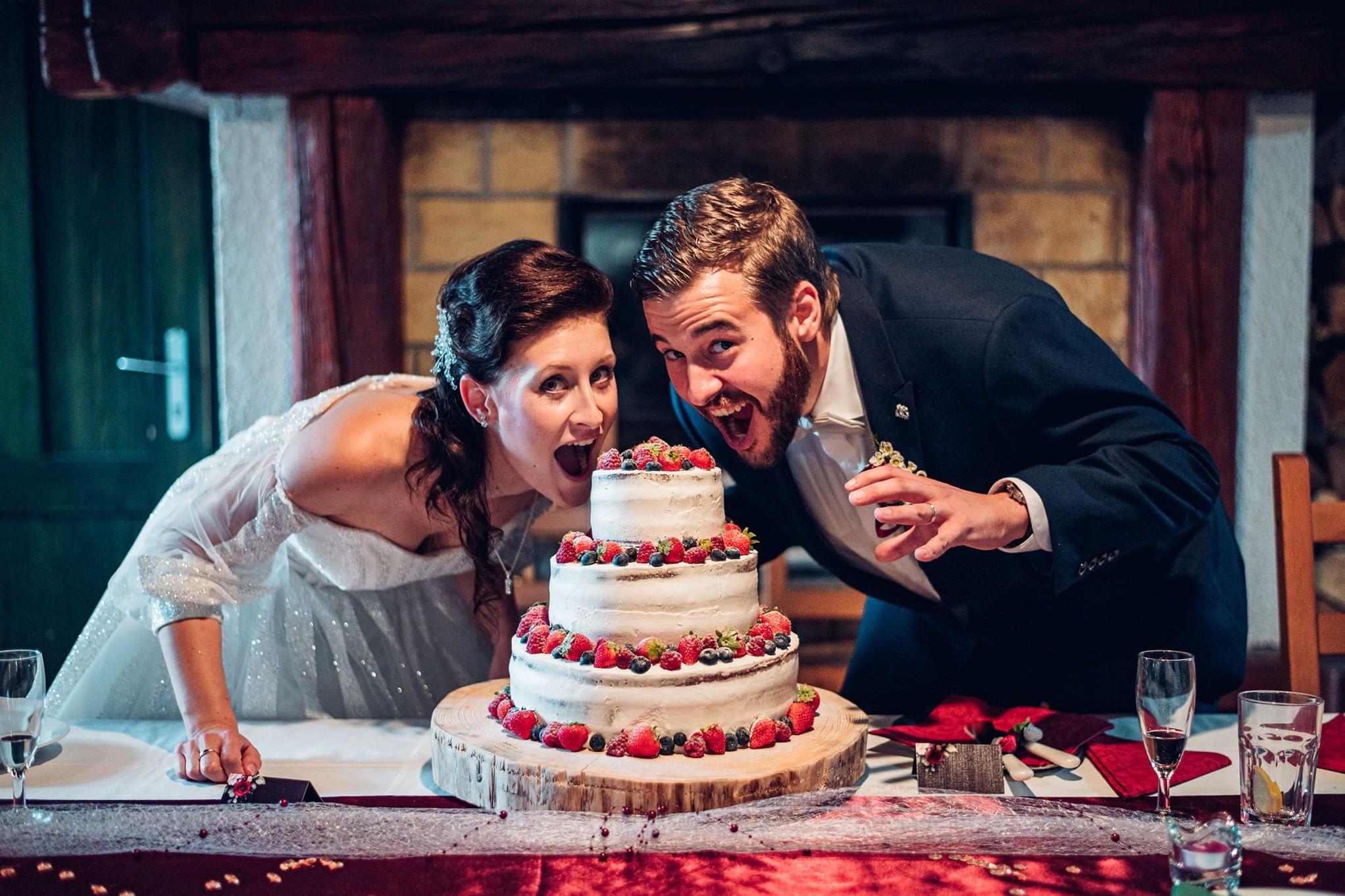 svatba, svatební fotograf, vrchlabí, svatební fotograf vrchlabí, svatební dort
