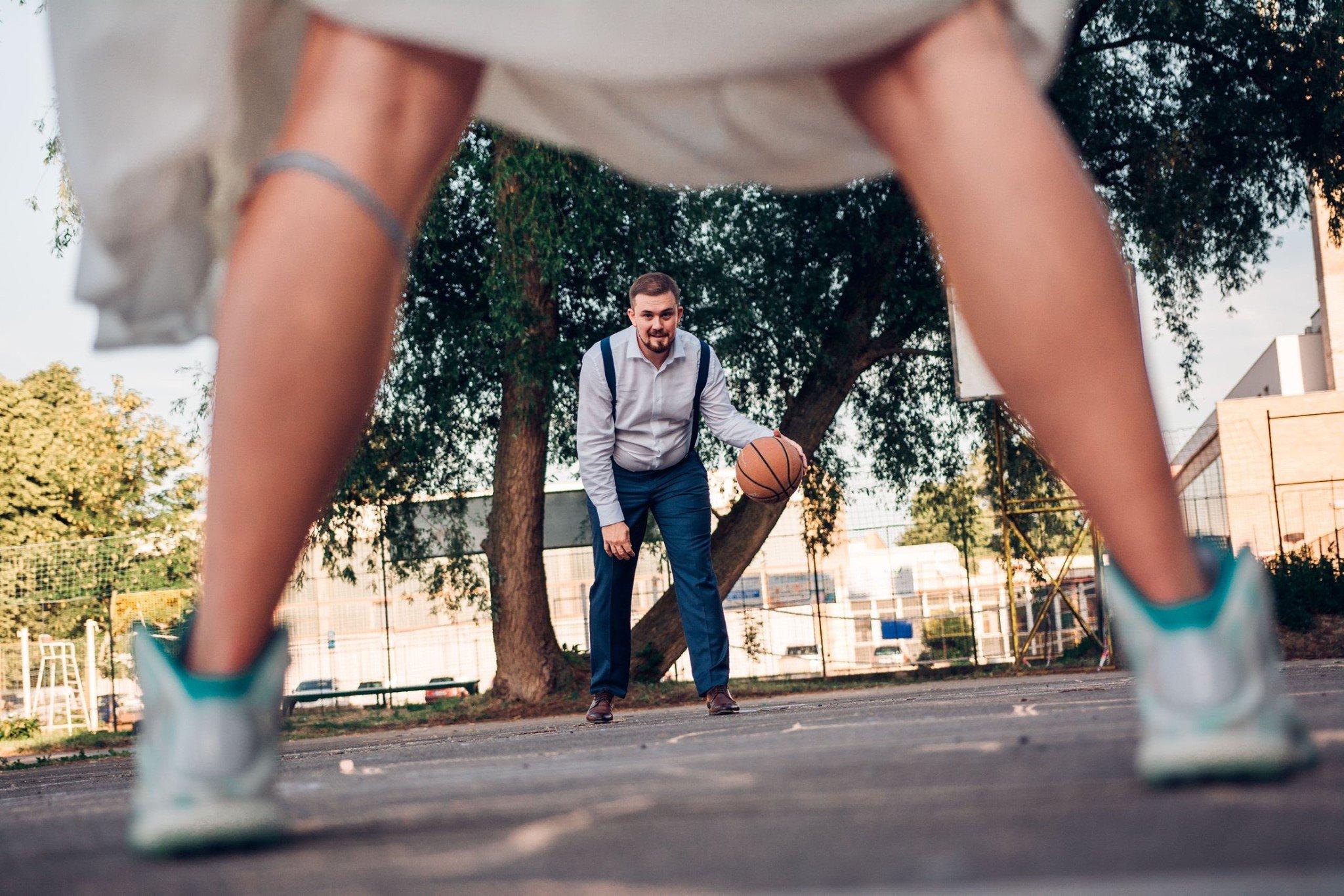 svatba, svatební fotograf, nymburk, basketbal, sportovní svatba, basketbalová svatba, basketbal, basketball wedding, svatební foto inspirace