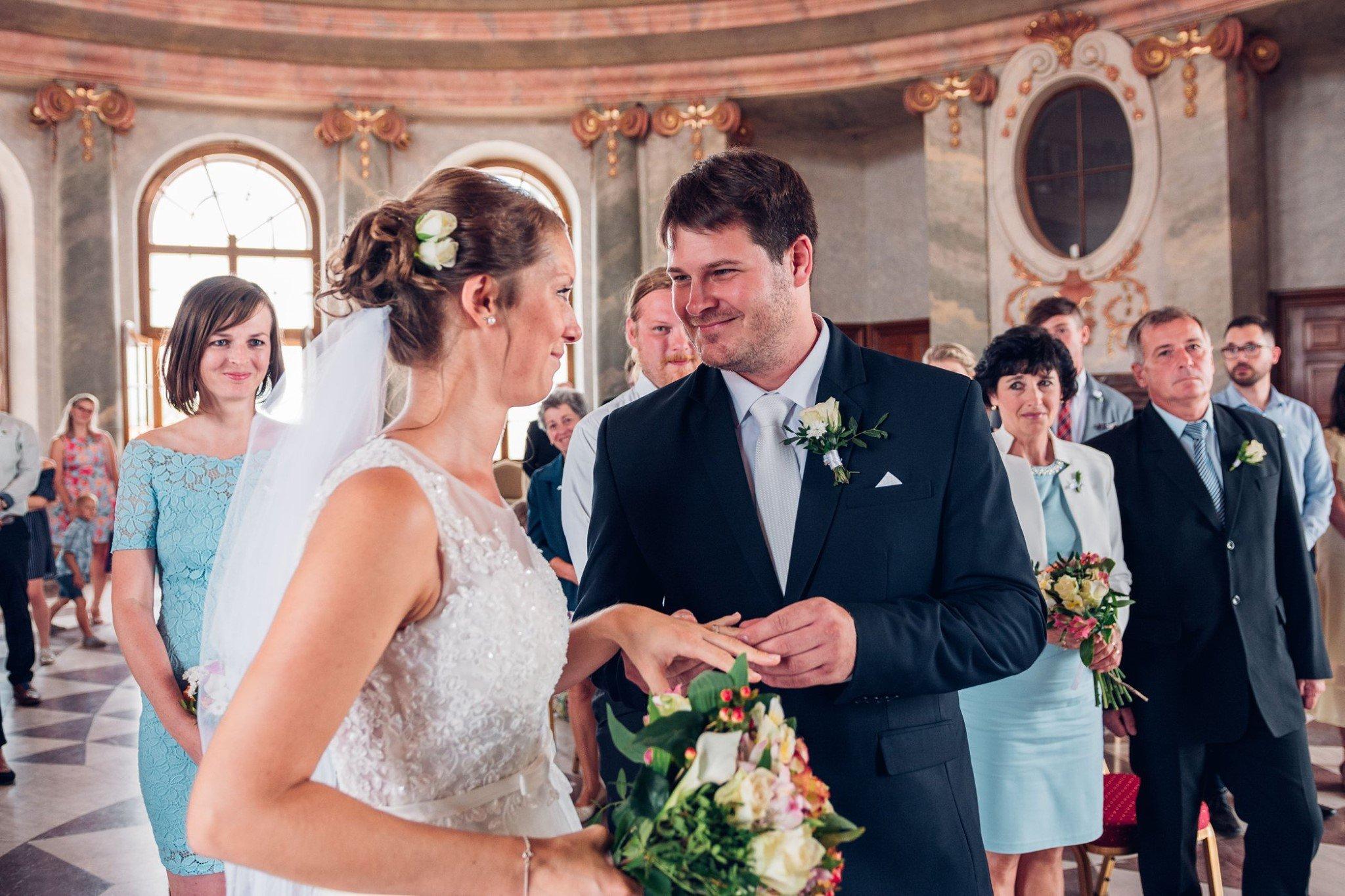 svatba chlumec nad cidlinou, svatba karlova koruna, zamek karlova korun